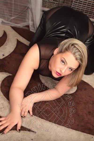 Julia Love  KASSEL 004915166424871